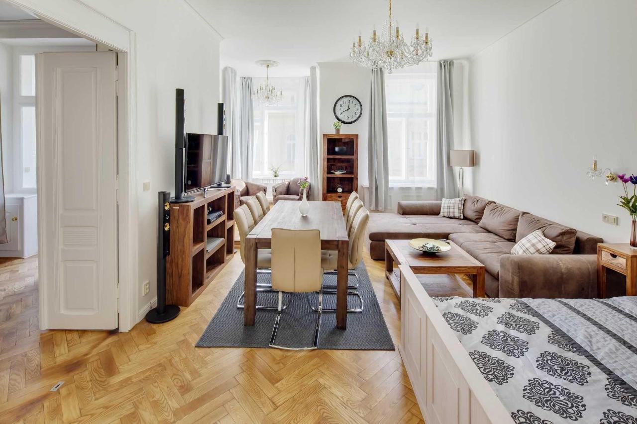 jprerovsky_old_town_square_apartments_v_kolkovne_3596-2.jpg
