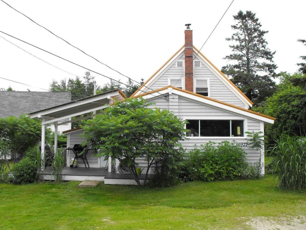cottage-front.jpg