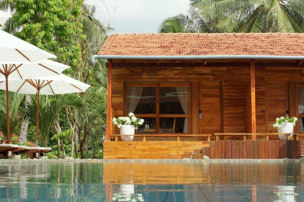 Poolside Bungalow.jpg