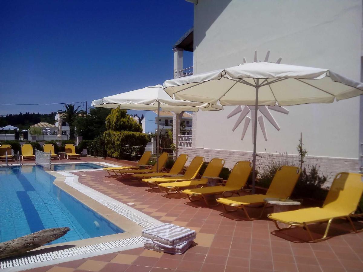 Villa Del Sol Corfu - pool
