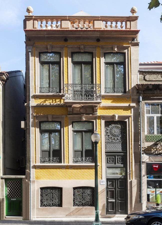 By Marquês Apartments - Façade of the building