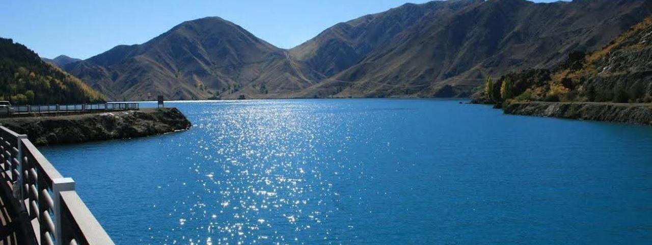 Lake Benmore, Waitaki Valley.jpg
