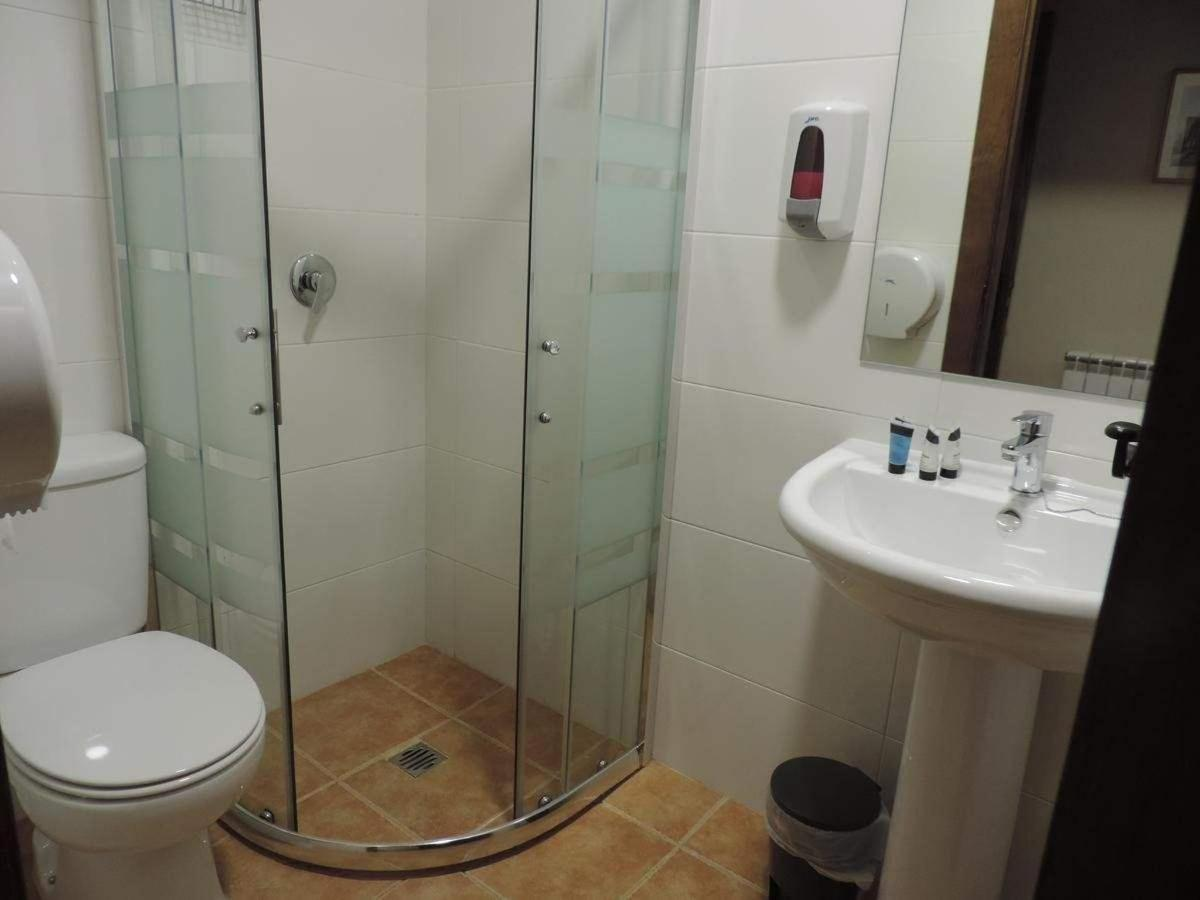 Baño habitación privada (cama de matrimonio)..jpg