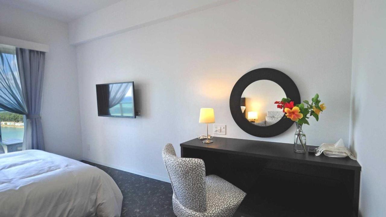 Deluxe Double Room.jpg