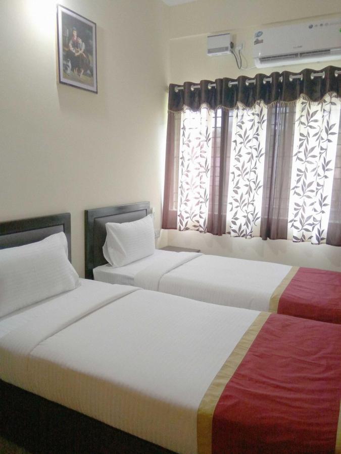 Tranzotel Guest Room.jpg