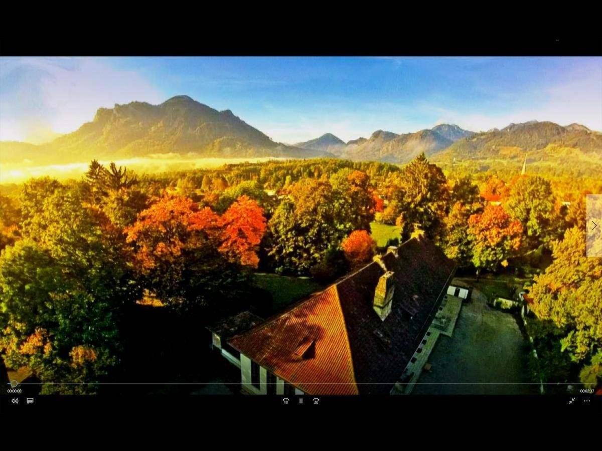 Luftaufnahme des COR - Resorts in morgendlicher Frühherbststimmung