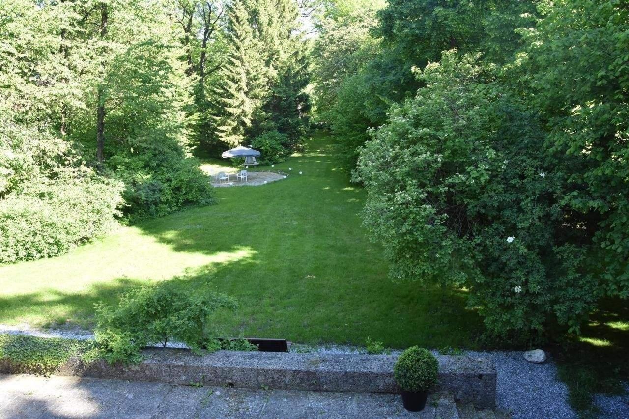 Blick in den Park aus der Parkview Suite