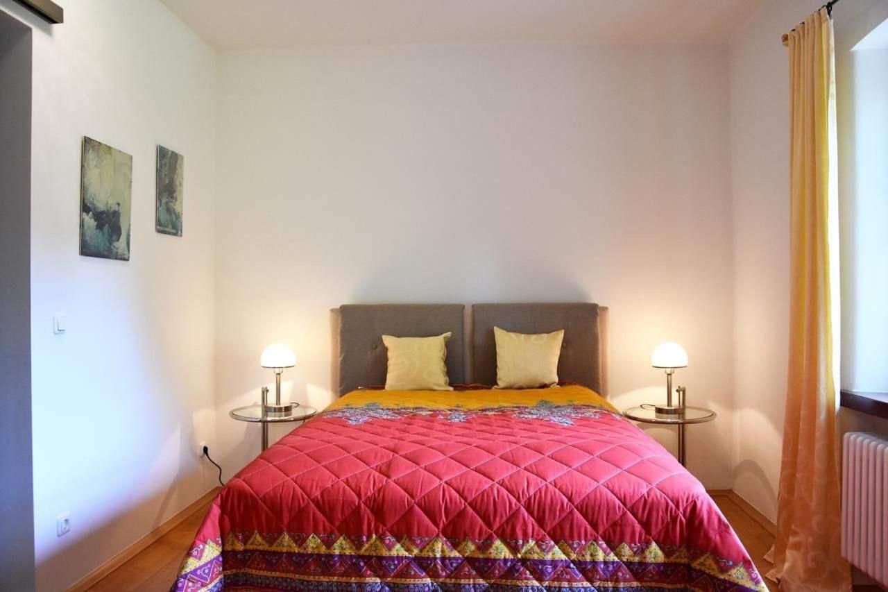 Parkview Suite Schlafzimmer mit Boxspring Bett.jpg