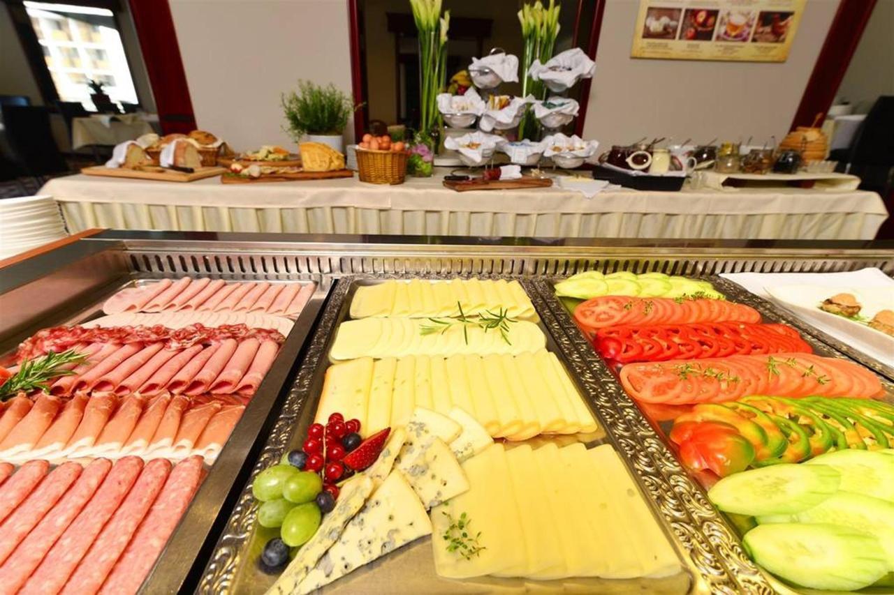 Hotel Kompas Bled - Breakfast