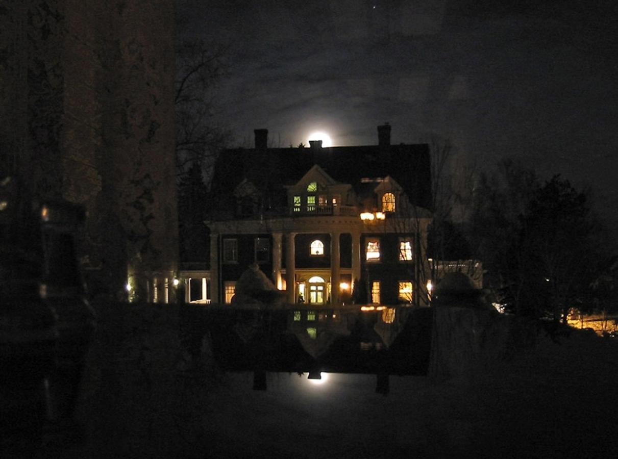 olcott-moonrise-1.jpg.1024x0.jpg