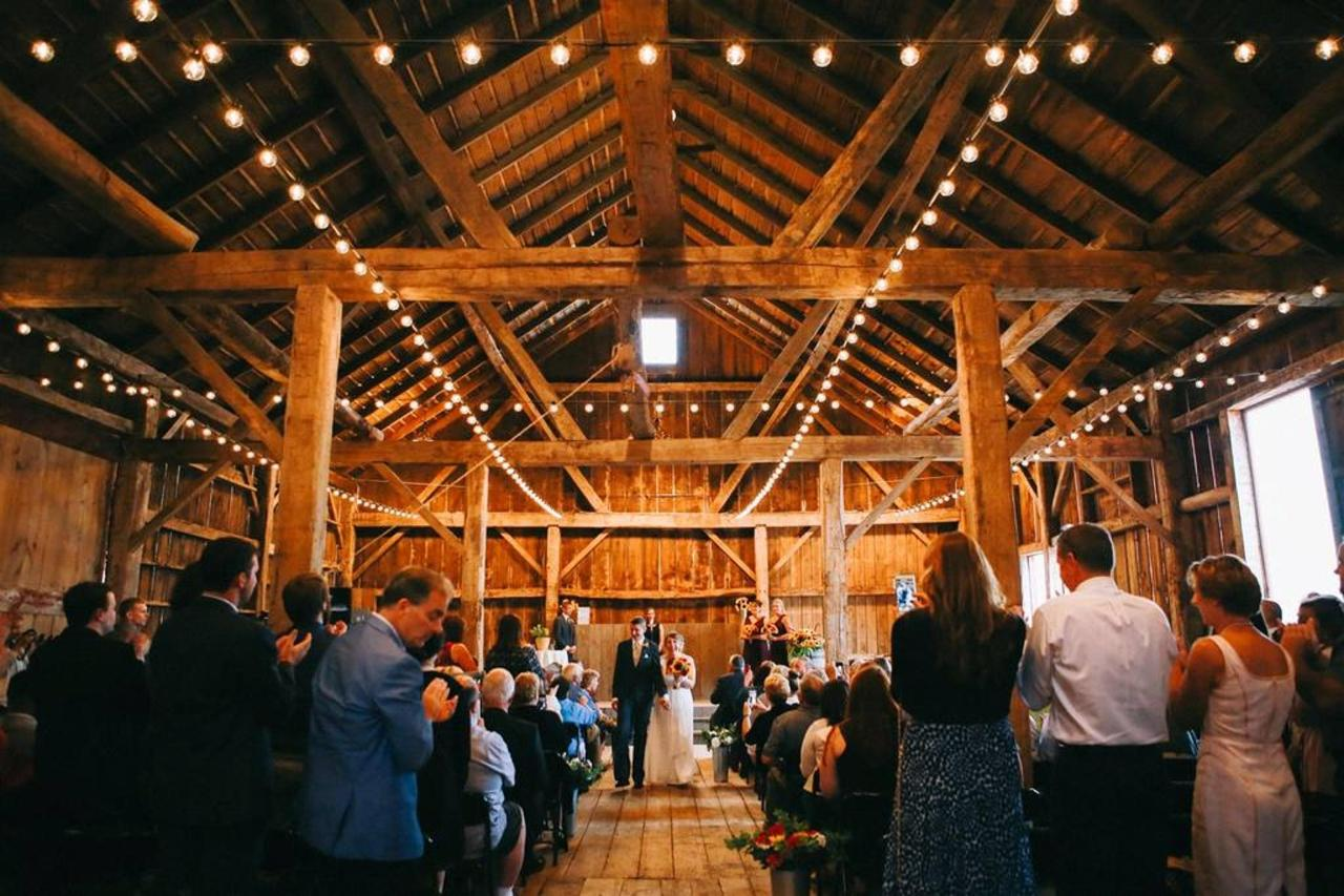 barn-ceremony.jpg.1024x0.jpg