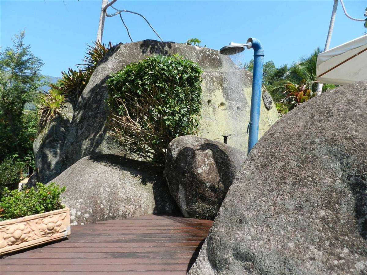Piedras y jardines del pueblo (2) .jpg