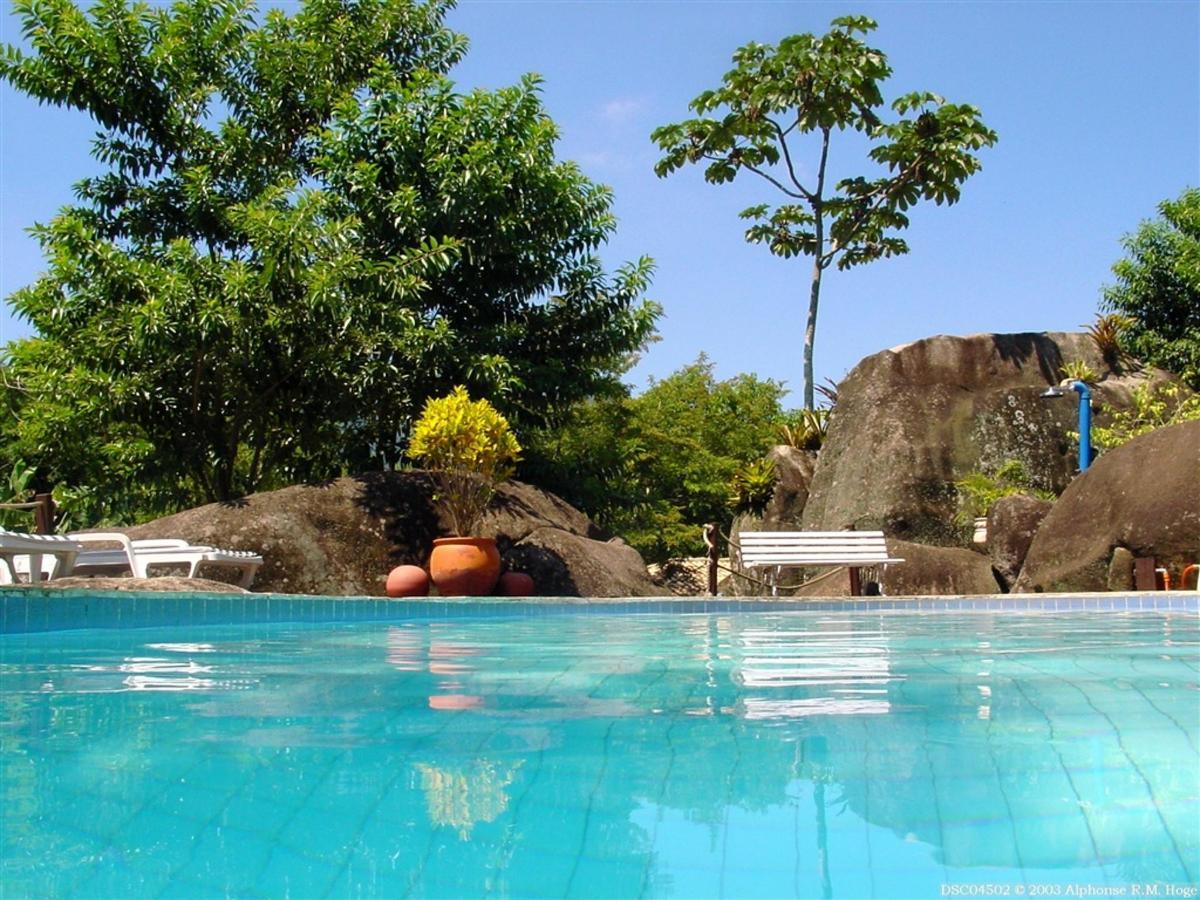 Piscina Vila das Pedras (8) .jpg