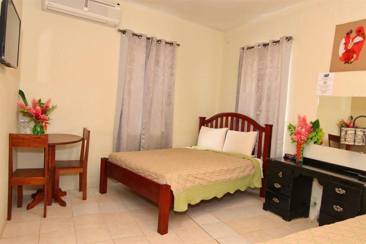 Accomodations Rain Forest inn suite 4.JPG