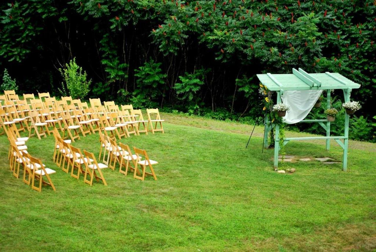 July Outdoor Wedding Toppertoppe.jpg