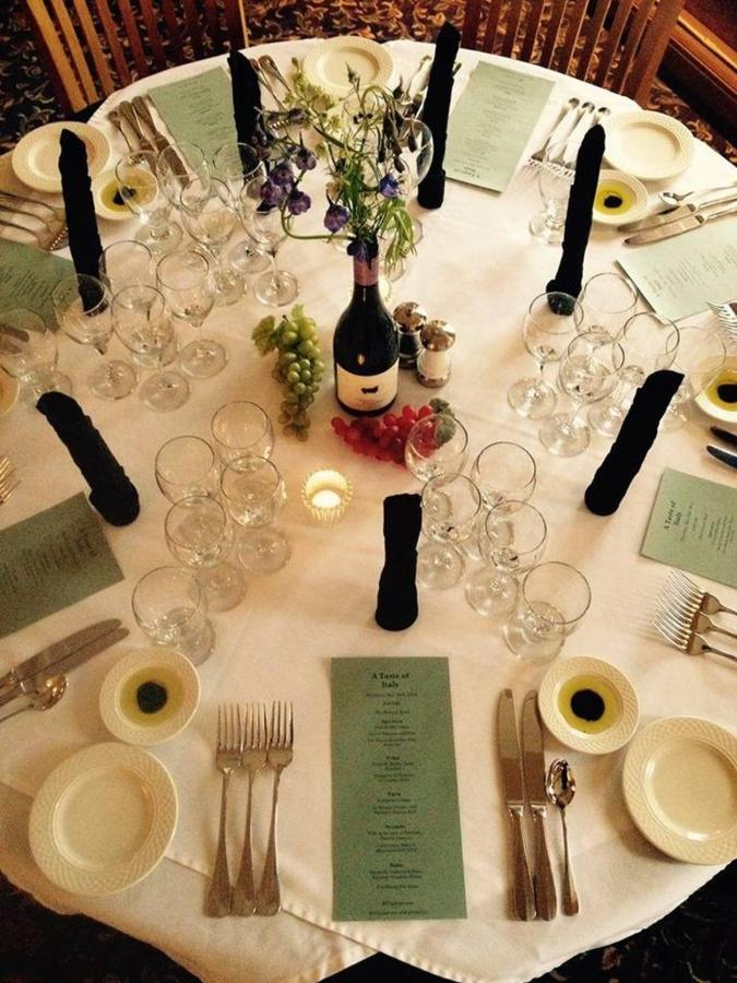 italian-wine-dinner.jpg.1024x0.jpg