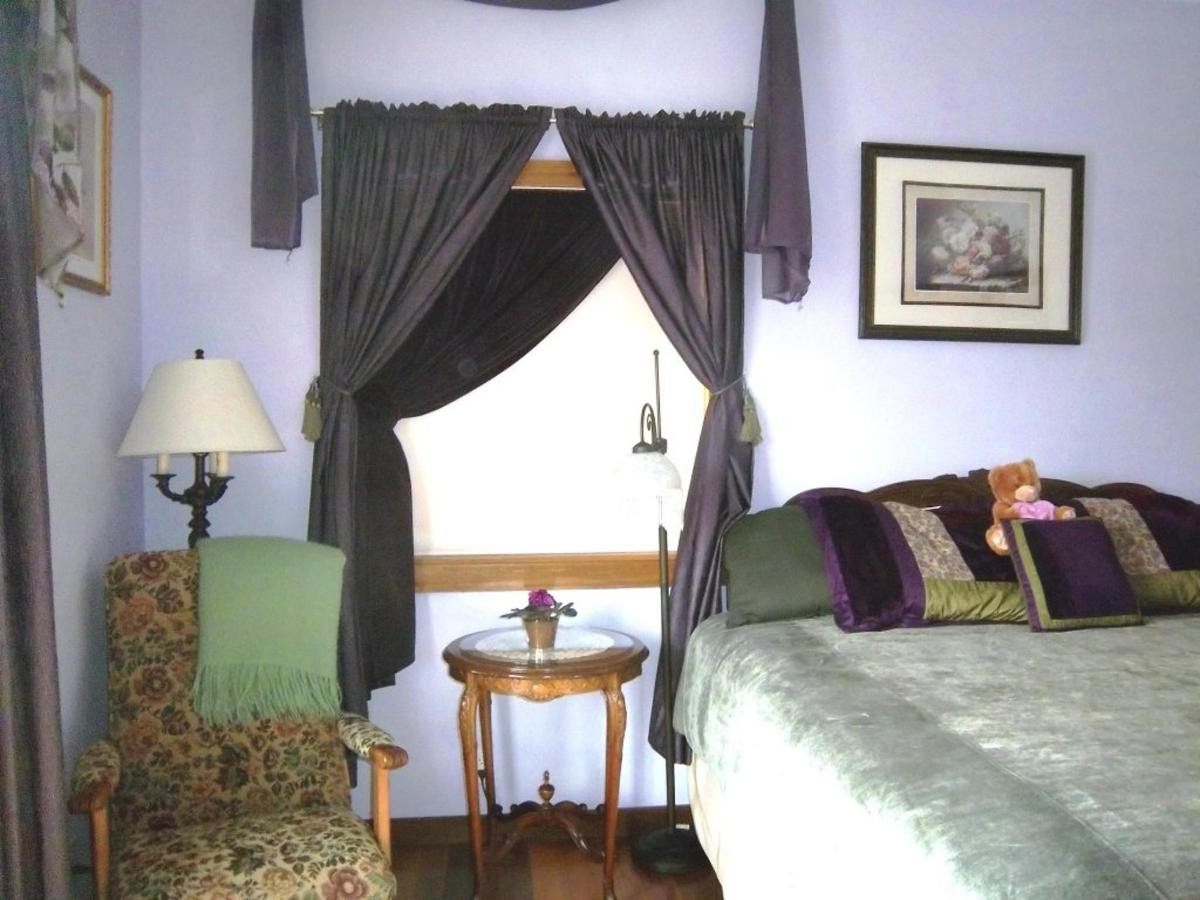 amethyst-room-new-king-bed-at-coppertoppe3.JPG.1024x0.JPG