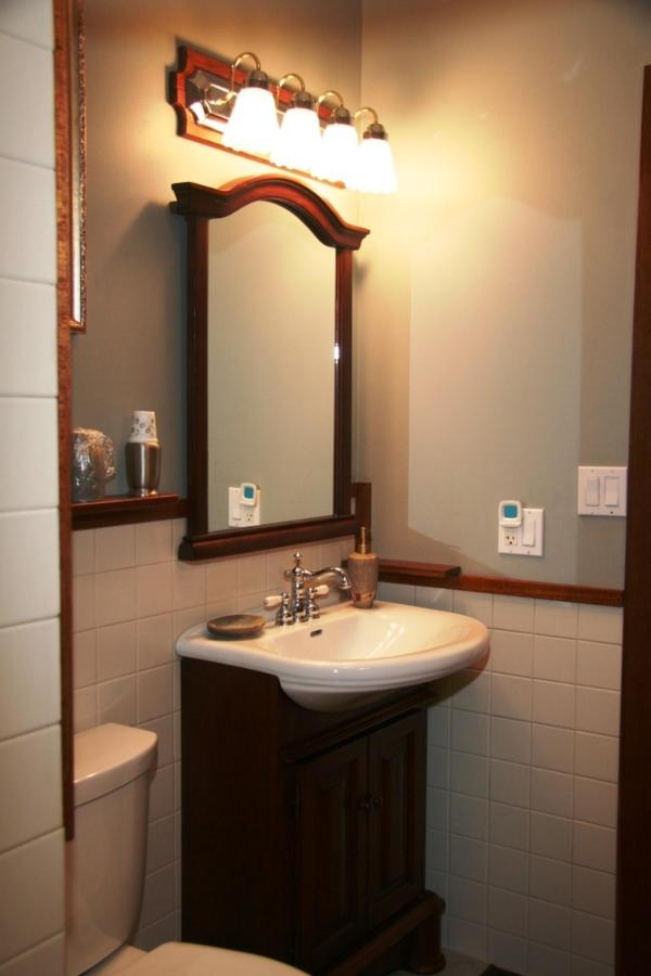 turquoise-room-bathroom-vanity-at-coppertoppe.jpg.1024x0.jpg