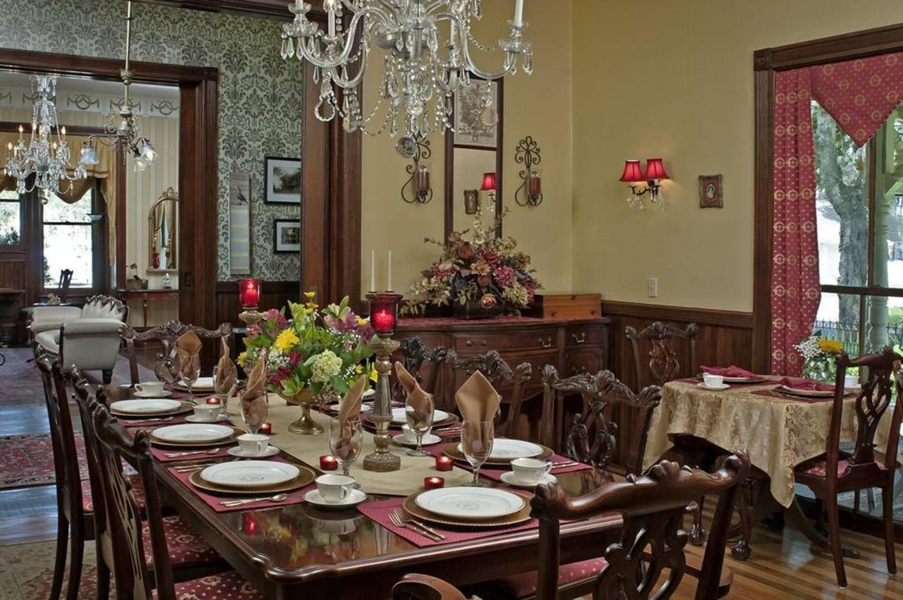 diningroom-02-1.jpg.1024x0.jpg