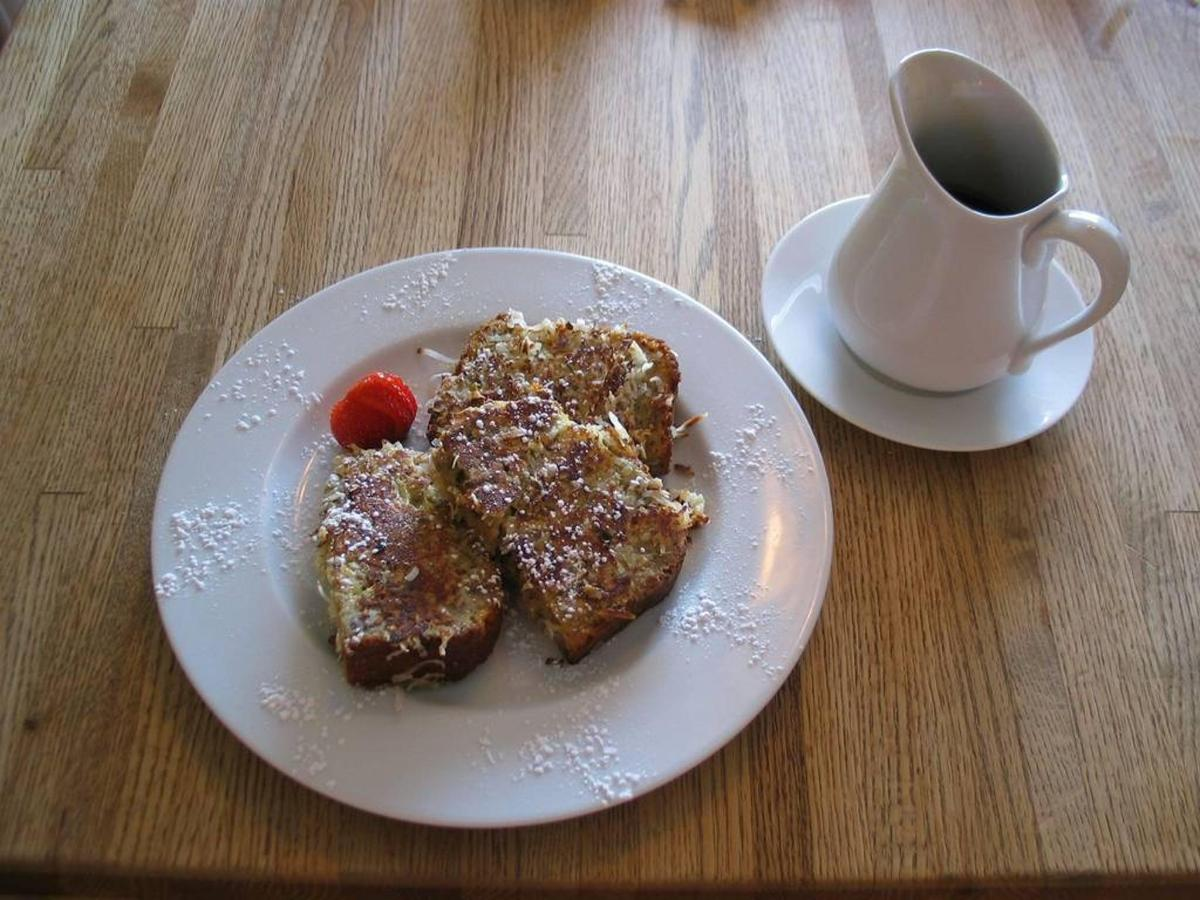 coconut-crusted-banana-bread-french-toast-1.jpg.1024x0.jpg