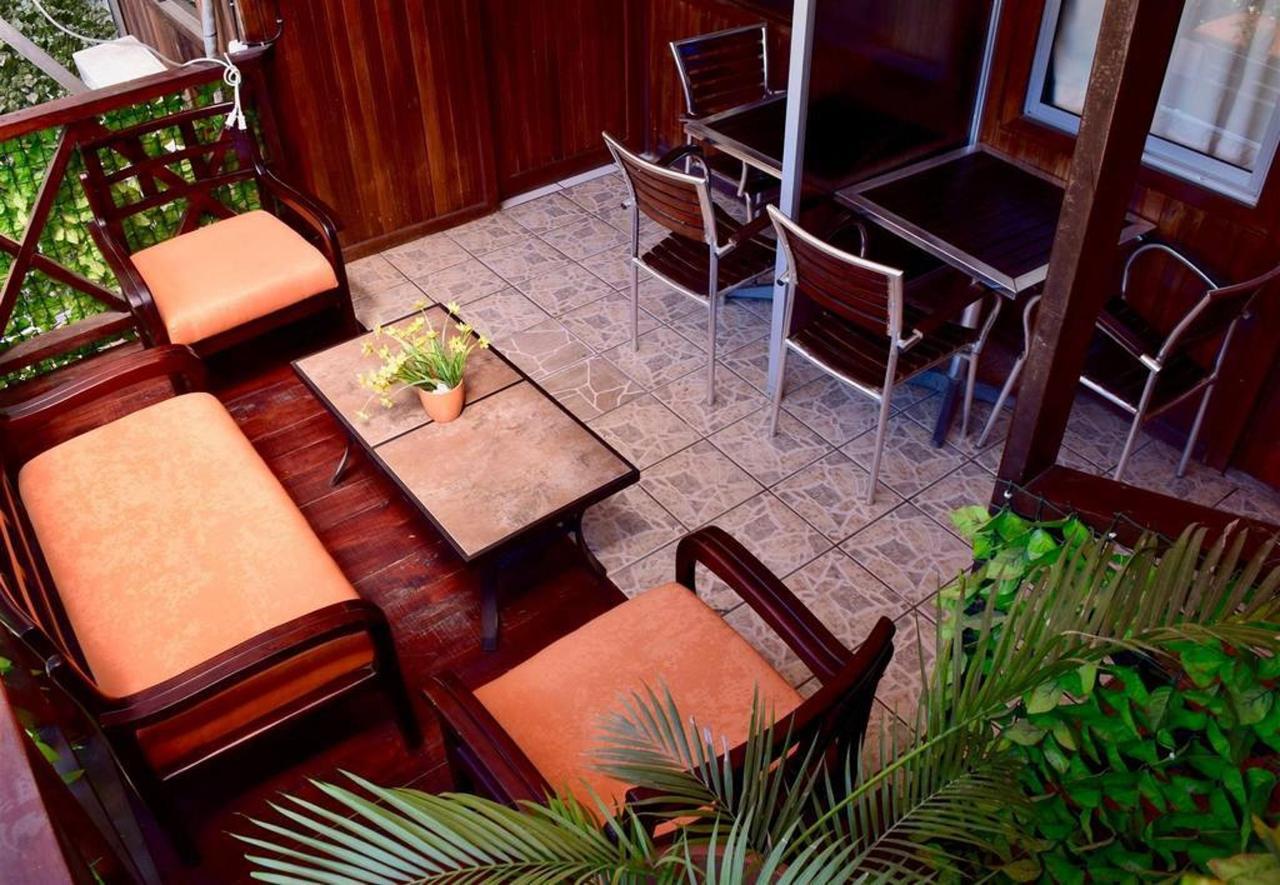Balcones - Hotel Aurora - Montezuma.jpg