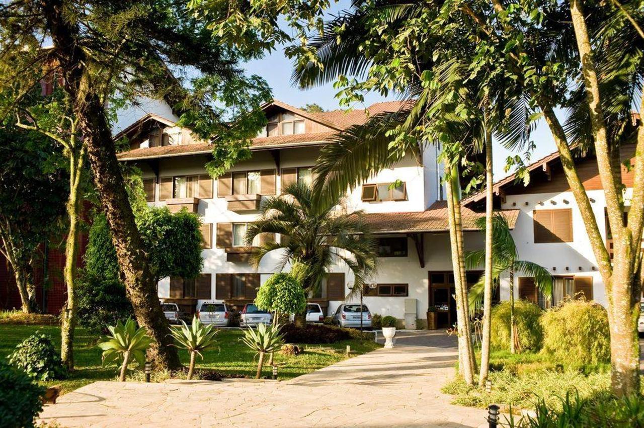 timbo-hotel-fachada1 .jpg