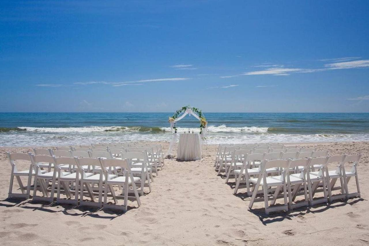 Beach Wedding Crowne Plaza Melbourne Hotel Florida.jpg