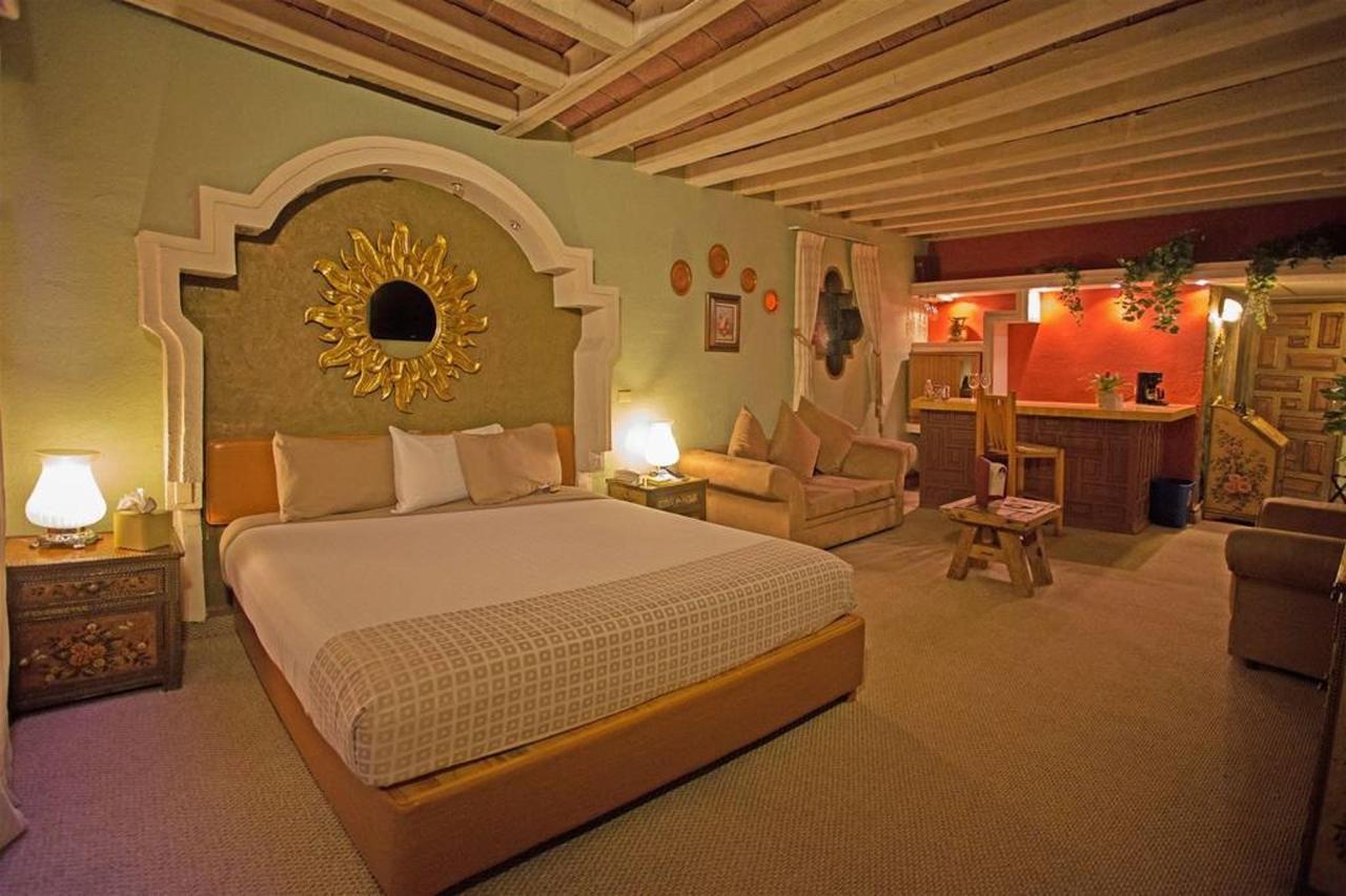 El Hotel - Vista habitación.jpg