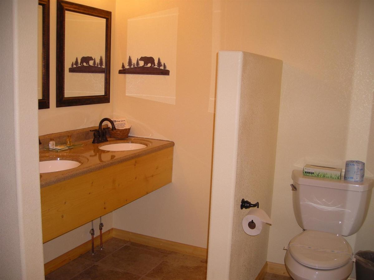 Suite bathroom vanity.jpg