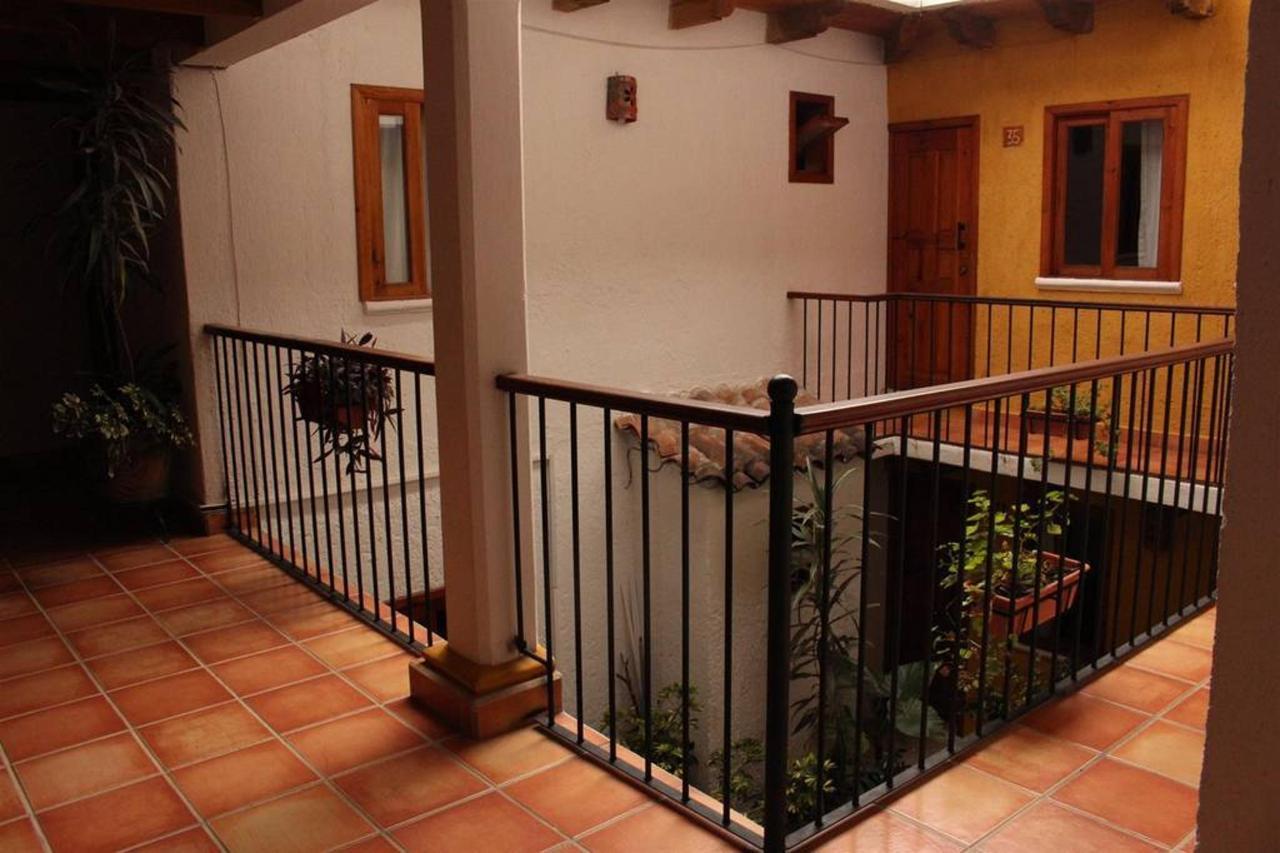 El Hotel - Balcón.jpg
