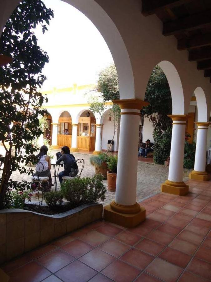 El Hotel - Arcos.jpg