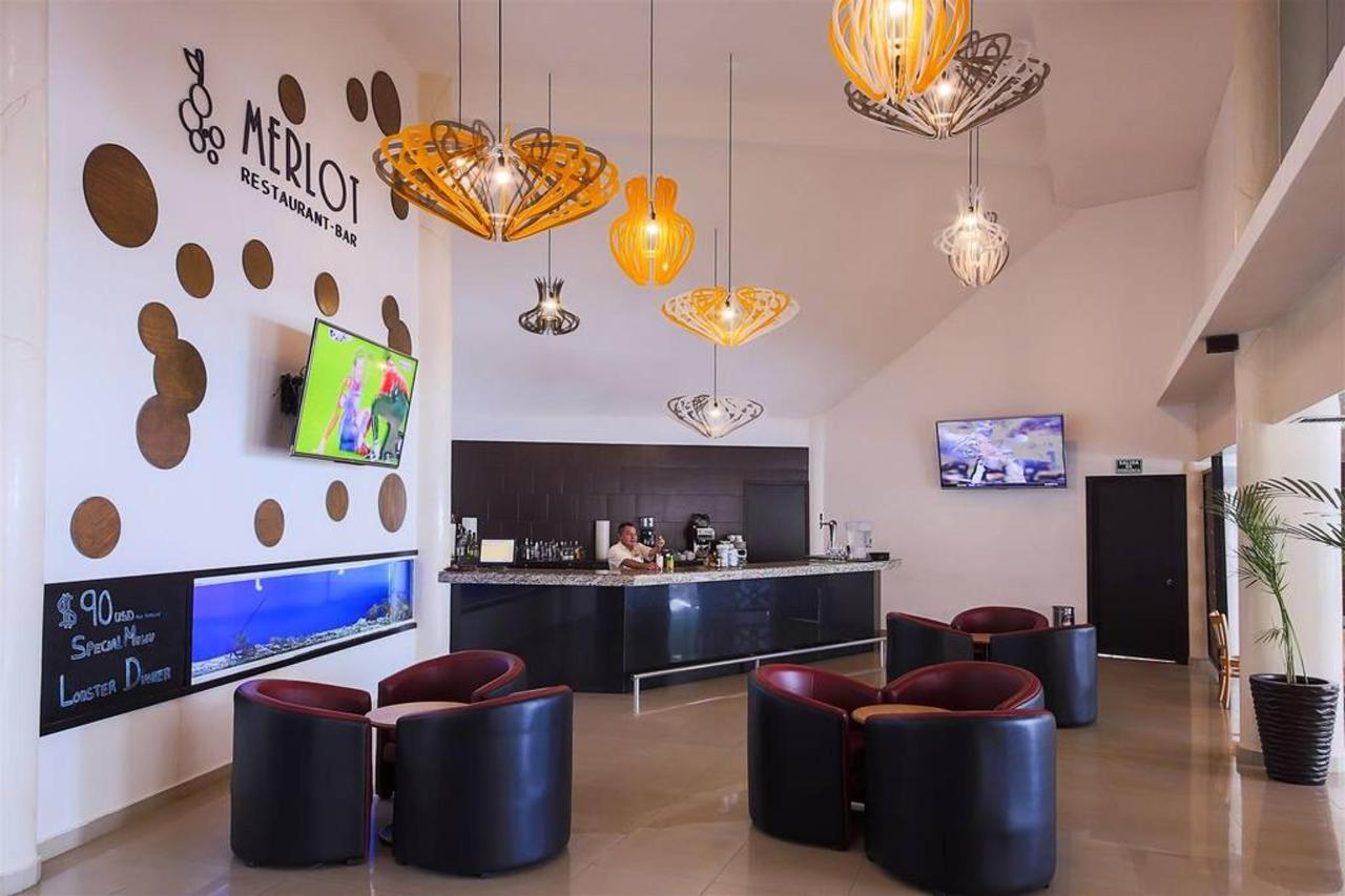 Le Reve Hotel & Spa - Entertainment.jpg