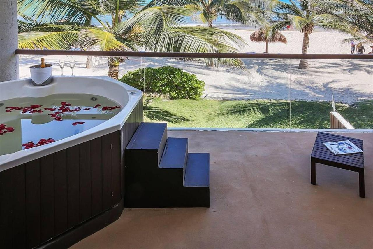 Le Reve Hotel & Spa - Jacuzzi.jpg