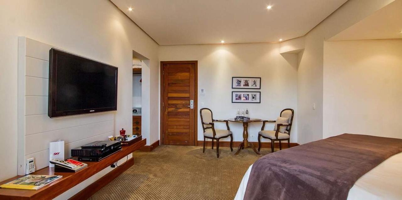 Charming suite with bathroom - LAH Hostellerie - Campos do Jordão.jpg