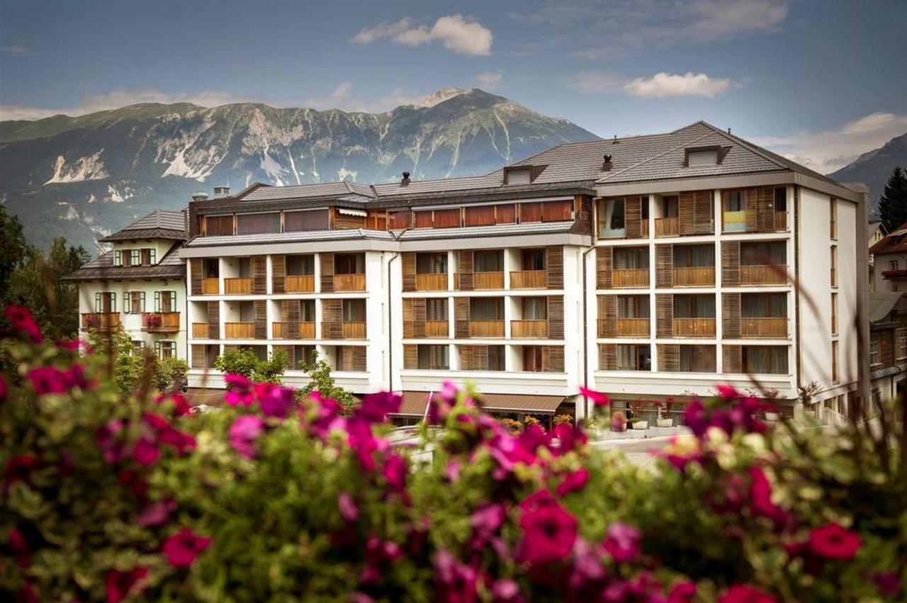 Hotel Lovec - zunanjost hotela