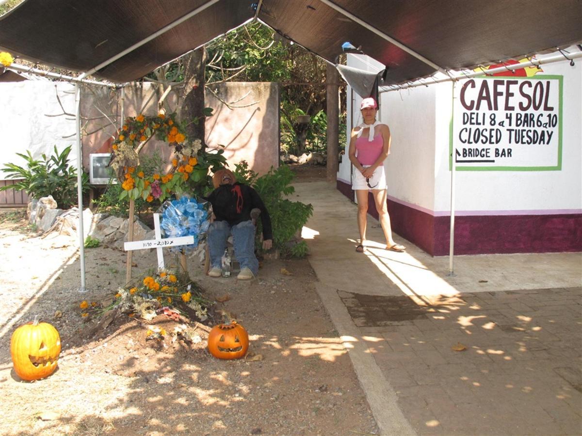Cafe Sol en halloween.jpg