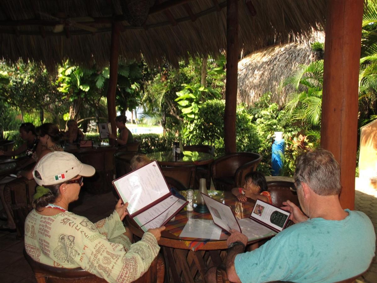 Manzanillo Bay Restaurant.jpg