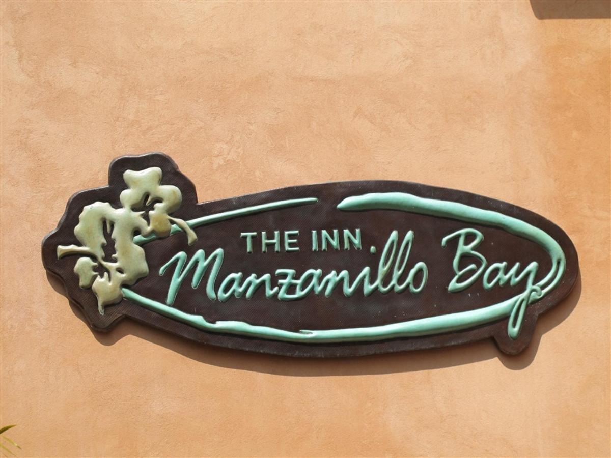 Manzanillo Bay.jpg
