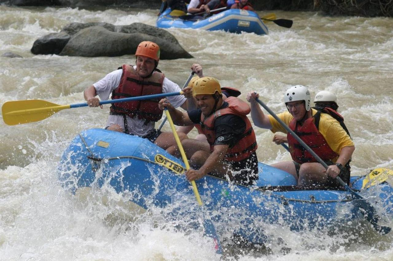 Activities & Excursions - Rafting.jpg
