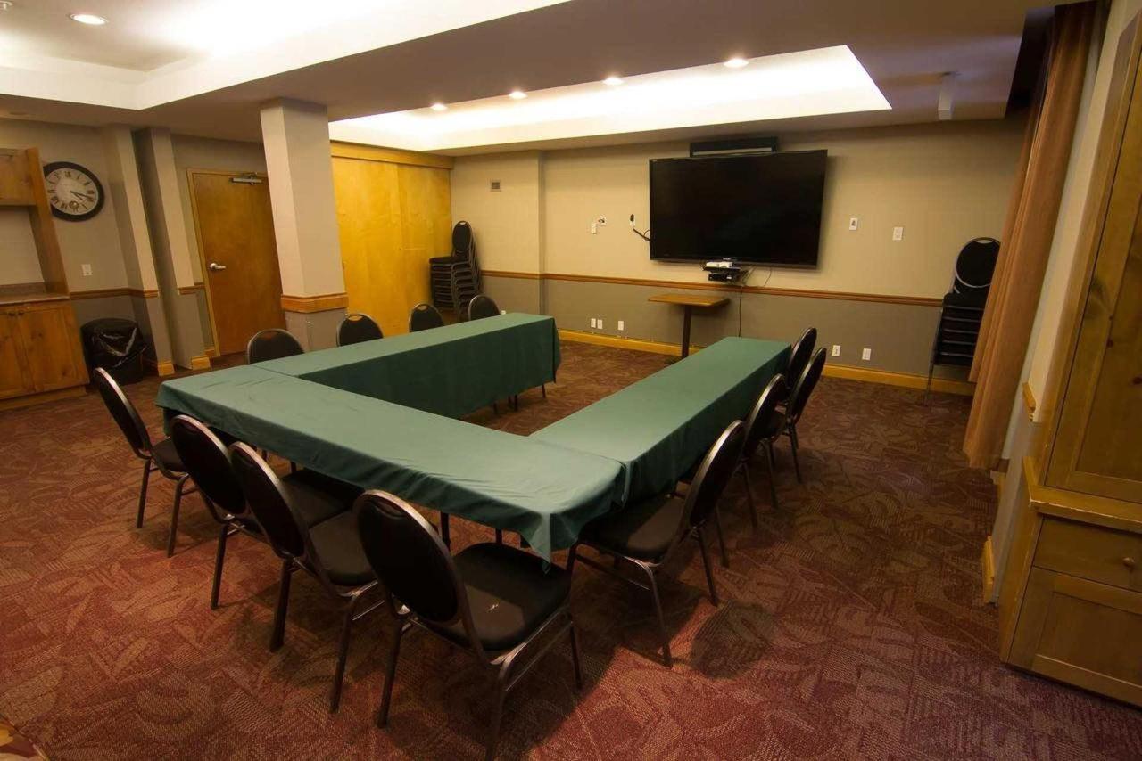 Sunburst Room set up U Shape.jpg