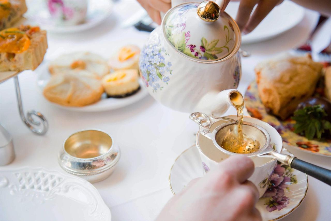 Dining & Afternoon Tea