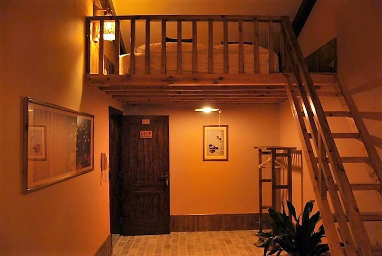 305 - Stairway to Heaven (family room)