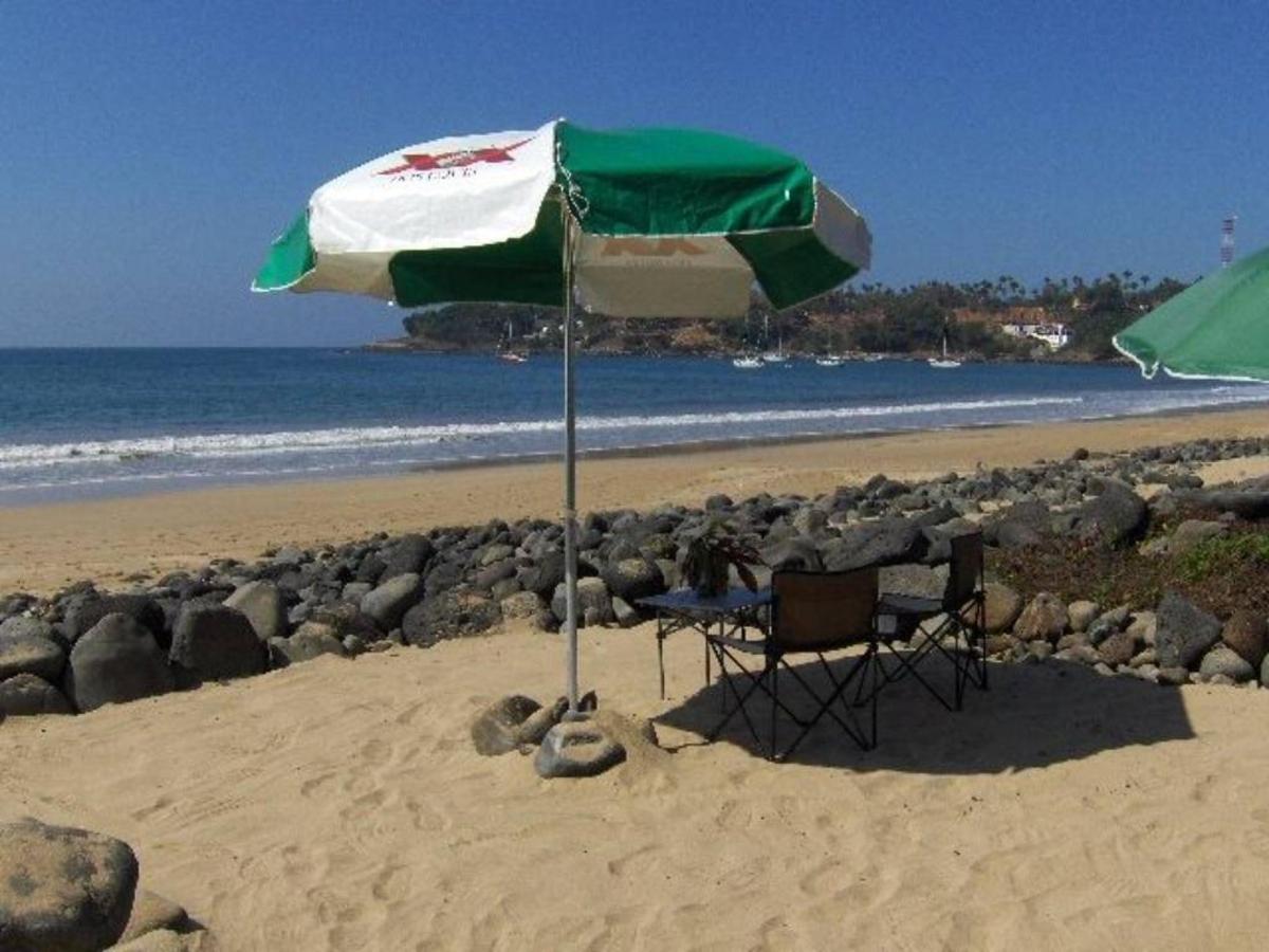 Sombrilla en la Playa.jpg
