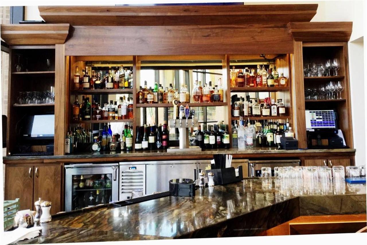 Ventana Bar