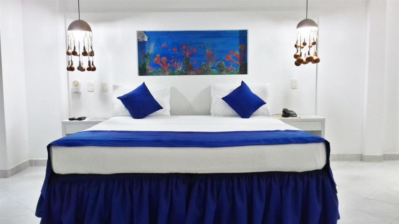 Deluxe Room type A, La Ballena Azul, Santa Marta, Colombia.jpg