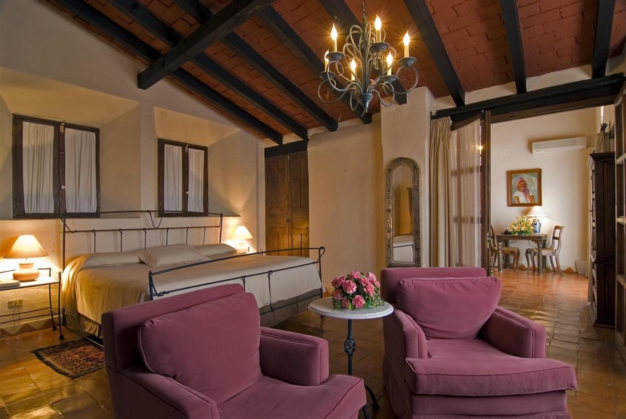 Master Suite Colonial R.jpg