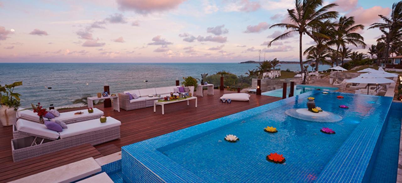 Deck & Pool