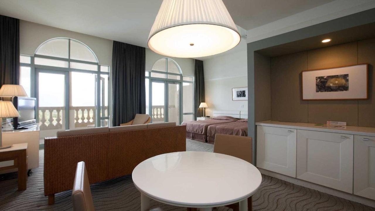 Hotel Luxury Room.jpg
