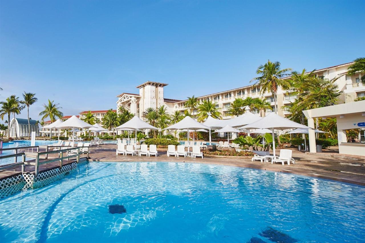 酒店Pool.jpg