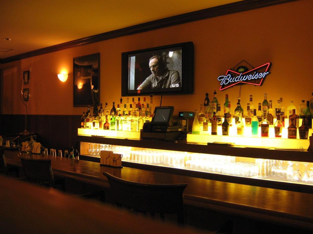 薩那體育酒吧Lounge.jpg